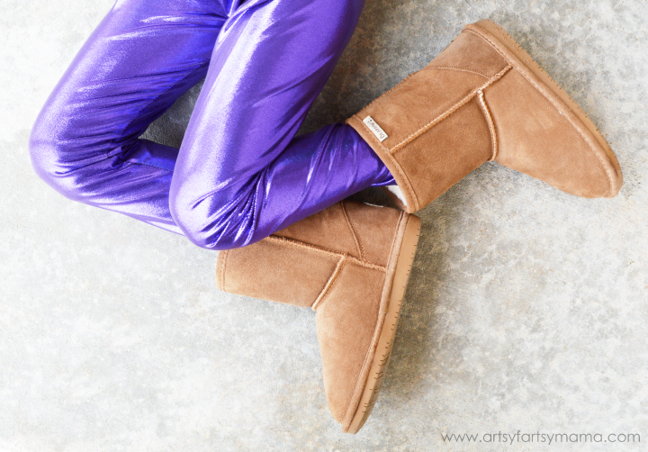 Easy DIY Leggings and Winter Shoe Shopping at artsyfartsymama.com #ohsofamous
