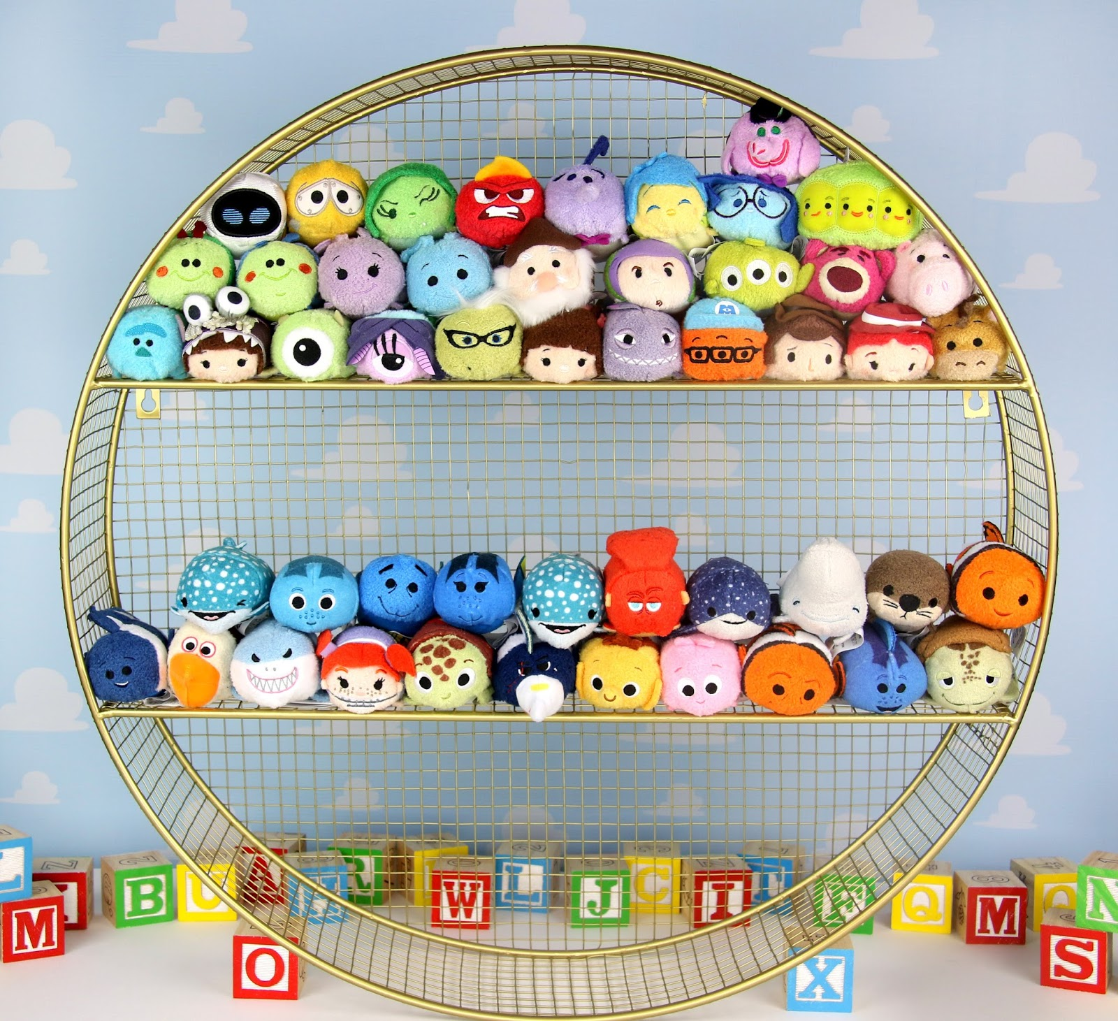 tsum tsum display shelf circle