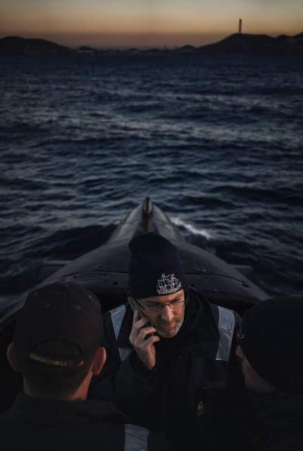 El comandante del Mistral en la vela del submarino. CARMEN SECANELLA