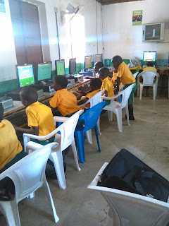 Primary school in Makueni in a computer session.