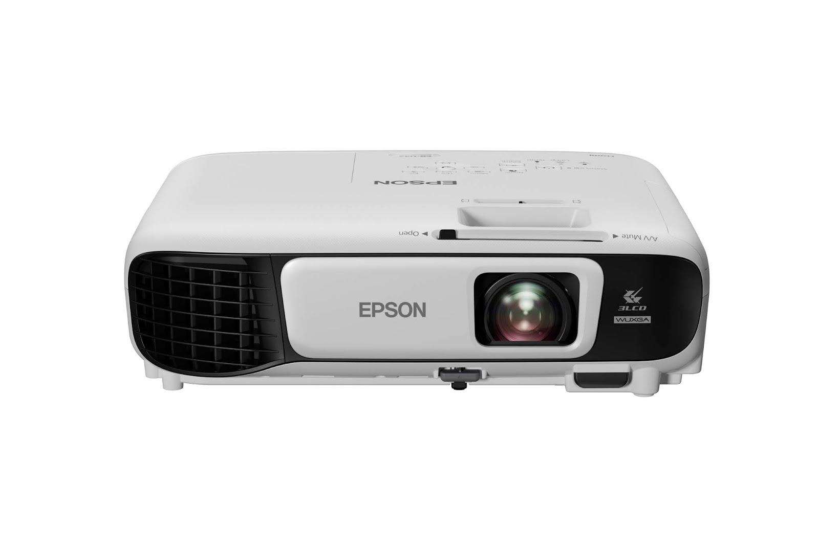 Epson presenta sus proyectores estrella para disfrutar de los mejores campeonatos de fútbol