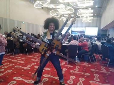 Launching gitar 6 Kepala (Six neck guitar) Puguh Kribo di Hotel Double Tree Jakarta