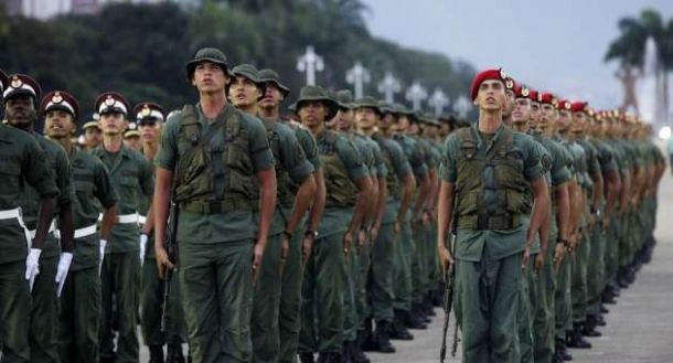 Exército da Venezuela invade território brasileiro para evitar saída do PT
