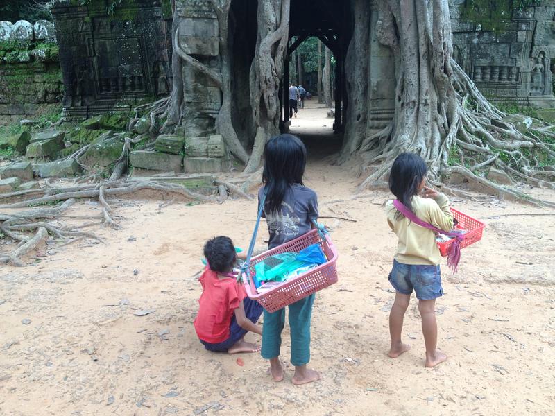 Niñas Ta SOm Angkor