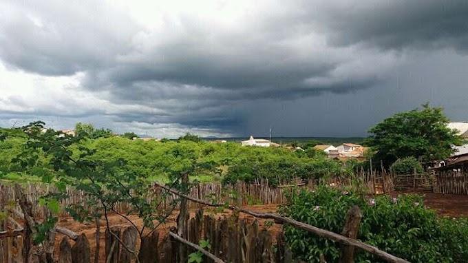 Chove em mais de 100 municípios cearenses; Mucambo registra de 60.0 mm nas ultimas horas.