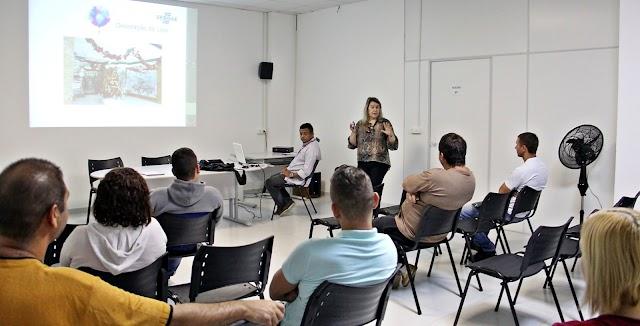 Microempreendedores de Colombo participam de curso do Sebrae