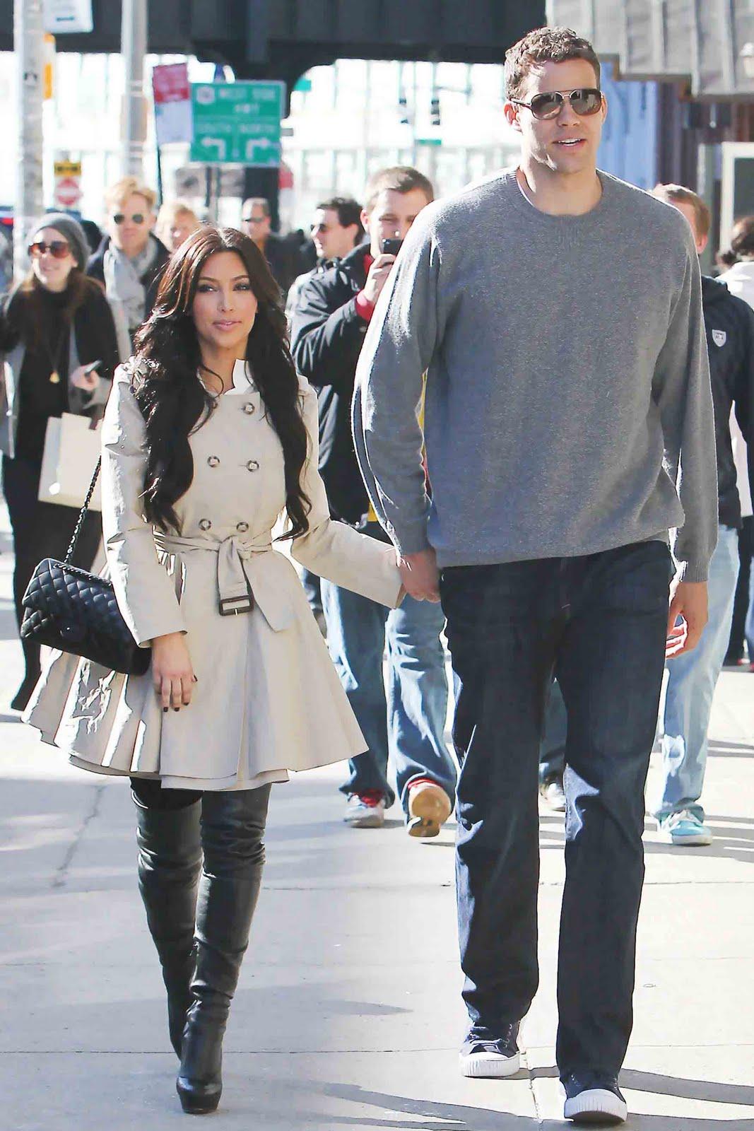 Kehidupan awal Kardashian lahir di Los Angeles California putri dari Robert Kardashian dan Kris Jennernée Houghton Kardashian mempunyai seorang kakak perempuan
