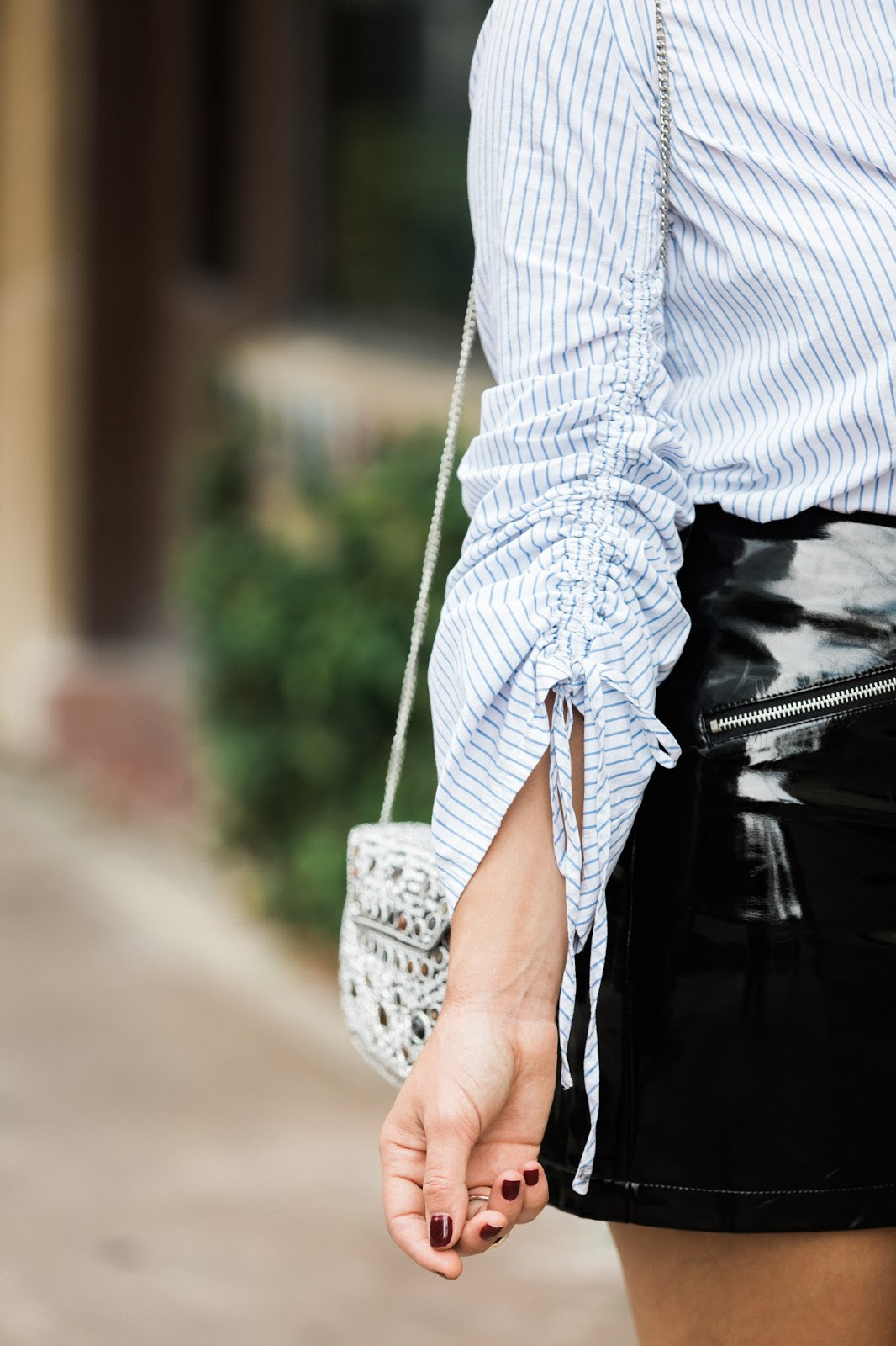 fall-outfits-details-patent-leather-skirt-and-stripes