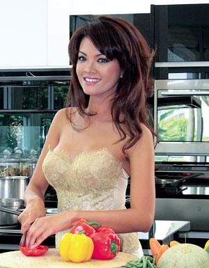 Farah Fauzan Quinn Menghabiskan Masa Kecilnya Di Dapur Membantu Sang Ibu Memasak Ia Mulai Nal Luas Setelah Memandu Acara Kuliner Ala Chef Salah