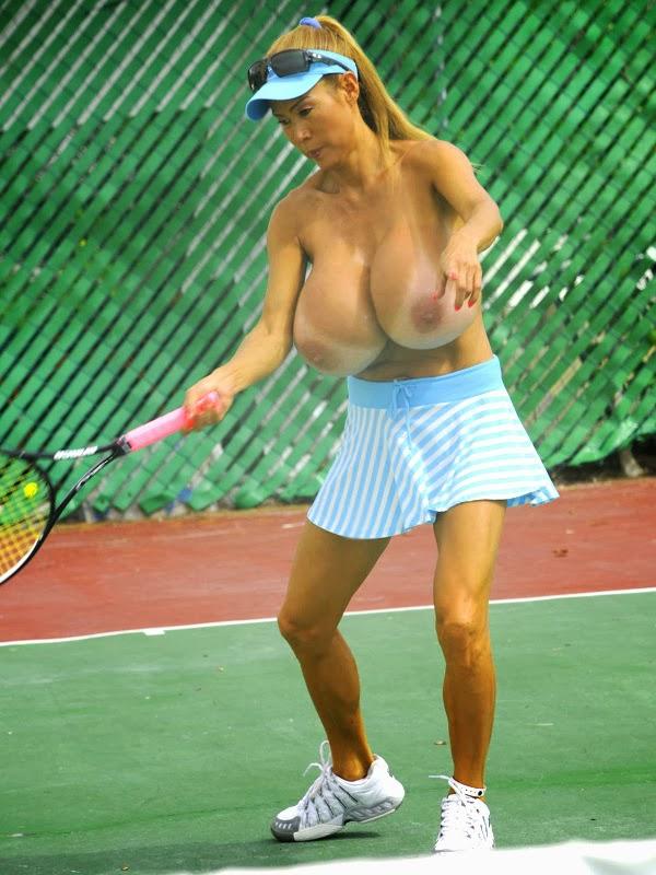 Tennis boobs