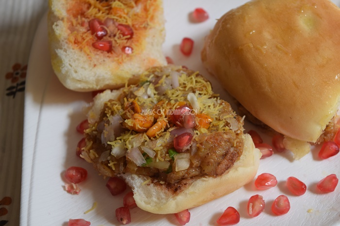 Kutchi Dabeli | Gujarati Dabeli Recipe- Magic of Indian Rasoi - Priya R
