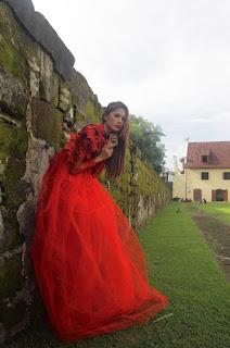 Hunting konsep foto model cantik igo Cinta Rarung model hot dan cantik tertinggi di dunia