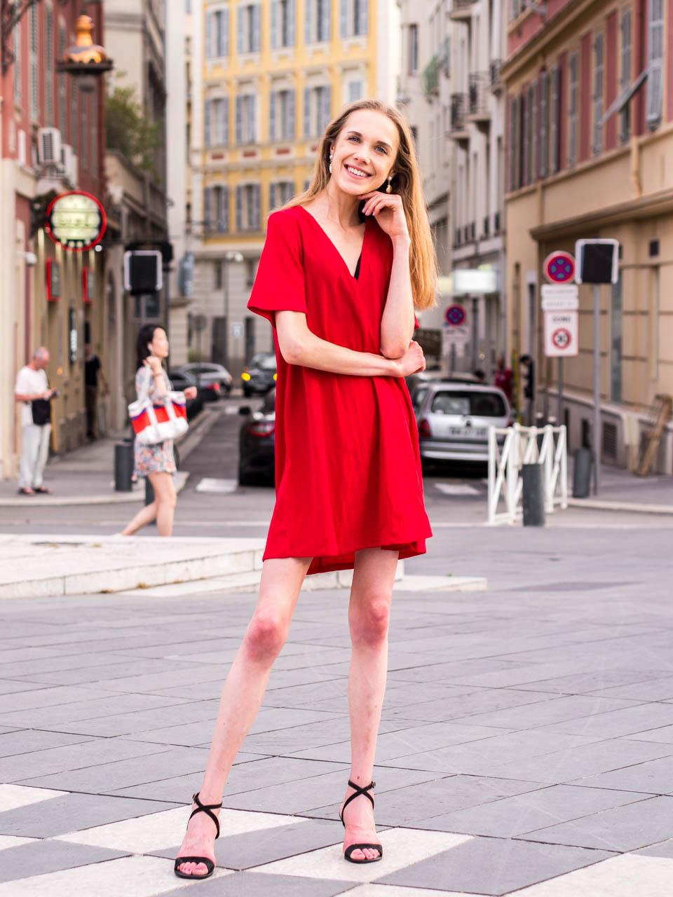 red-summer-dress-nice-france-kesämekko-punainen-nizza-ranska