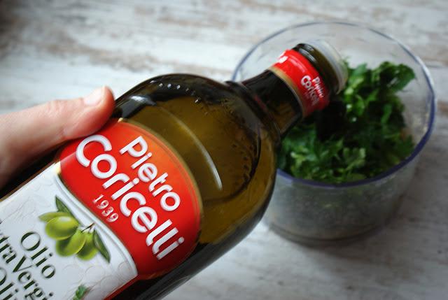 pesto,pesto z zielonej pietruszki,Skworcu,oliwa z oliwek,