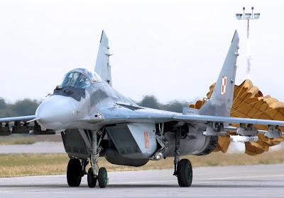 Mais F-16 ou F-35? Polônia estuda substituto dos seus SU-22 e MiG-29