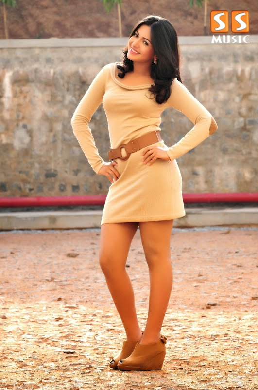 Catherine Tresa Stunning Hot Photoshoot  hd Pics