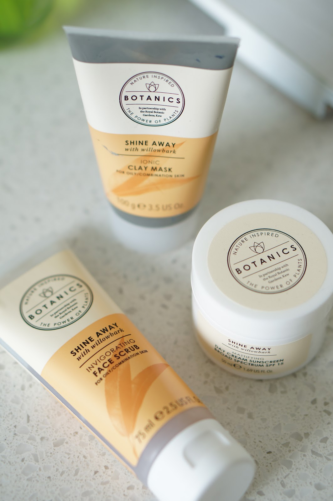 Rebecca Lately Botanics Shine Away Review Ionic Clay Mask Invigorating Face Scrub Mattifying Day Cream Sunscreen