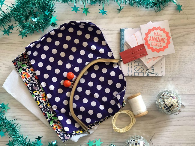 Christmas-gift-guide-2018-contents-of-the-makery-purse-sewing-kit