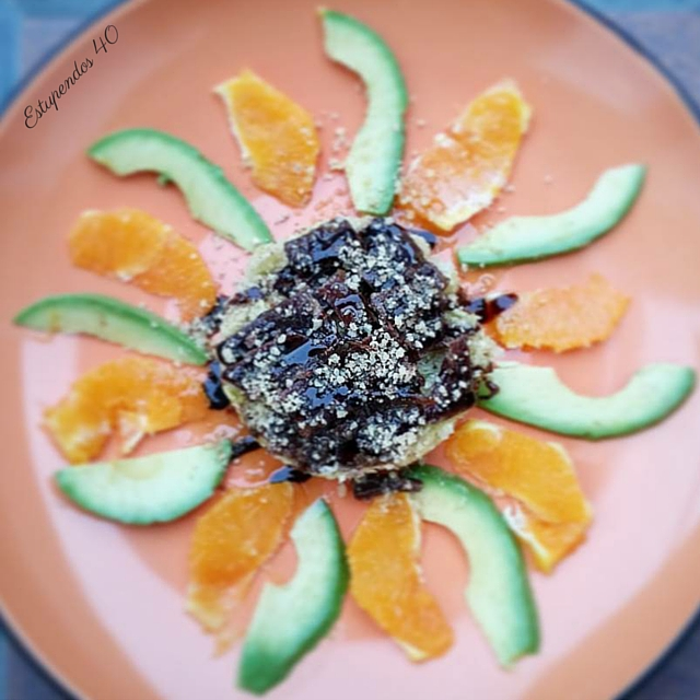 ensalada-de-naranja-y-aguacate-con-vinagreta-de-miel-y-mostaza