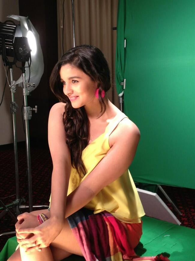 Alia Bhatt Latest Wallpapers 2013