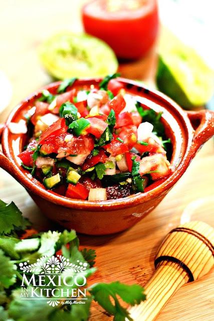 receta de salsa pico de gallo o mexicana