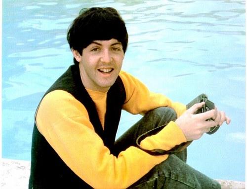 Paul+McCartney+In+Yellow.jpg