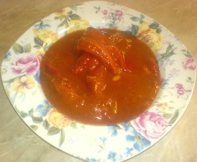 mancare de ardei cu sos de rosii, retete de post, mancaruri de post, mancaruri cu legume, retete, retete culinare, retete de mancare,