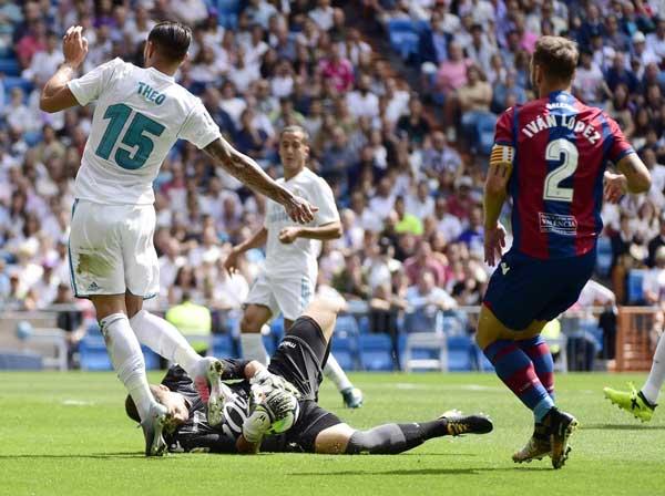Real Madrid 1-1 Levante: Bất lực trước Raul 1