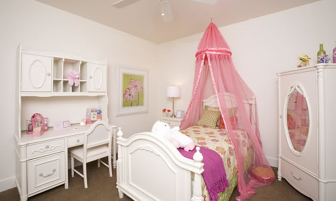50 best princess theme bedroom design for girls bahay ofw for Decorate your bed