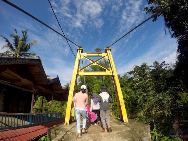 Jembatan Gantung di Loksado