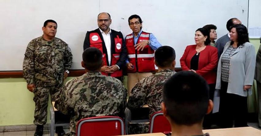MINEDU: Soldados y adultos mayores de educación alternativa participaron en simulacro nocturno de sismo - www.minedu.gob.pe