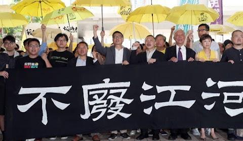 Börtönre ítélték Hongkongban a 2014-es demokráciapárti tüntetések szervezőit