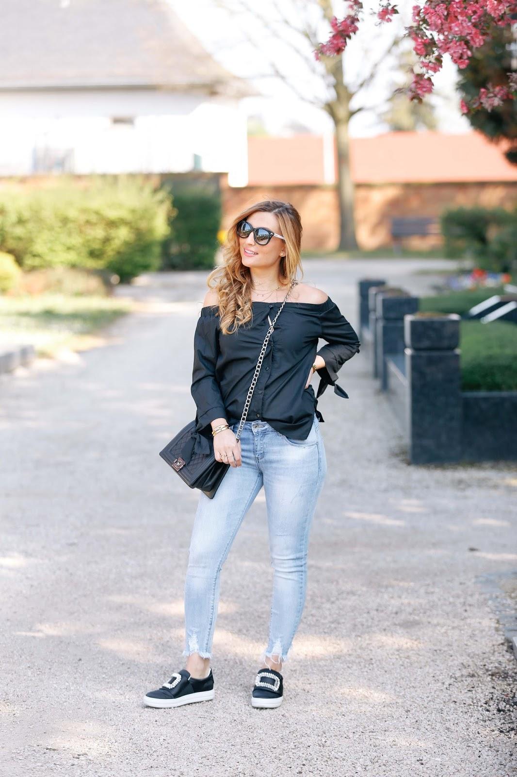 Fashionblogger-off-shoulder-bluse-schwarze-off-schoulder-bluse-coldshoulder-blogger-aus-deutschland