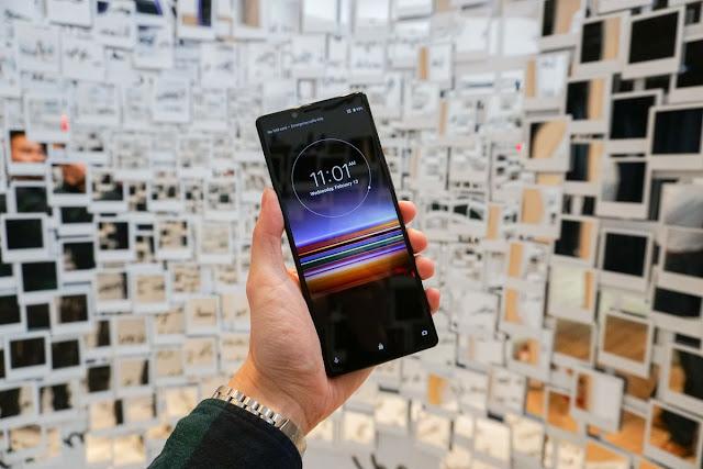 Ponsel Xperia baru Sony memiliki layar terluas yang pernah kami lihat