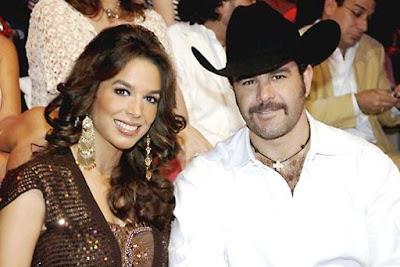 Foto de Eduardo Capetillo con su gran amor y esposa