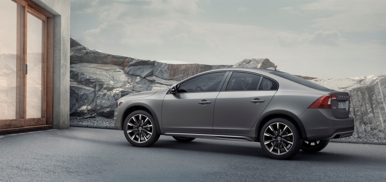 VOLVO%2BS60%2BCROSS%2BCOUNTRY%2B2 Η Volvo με το νέο S60 Cross Country δημιουργεί το πρώτο sedan με διττό χαρακτήρα