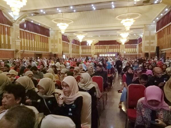 Peserta Dialog Nasional ke-16