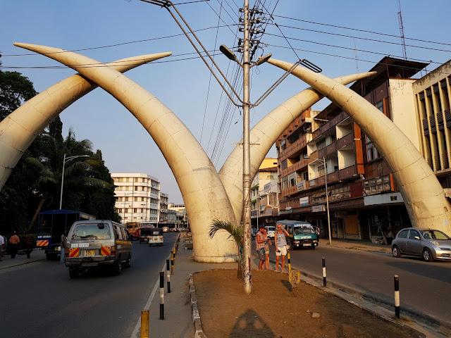 Symbol Mombasy słoniowe kły
