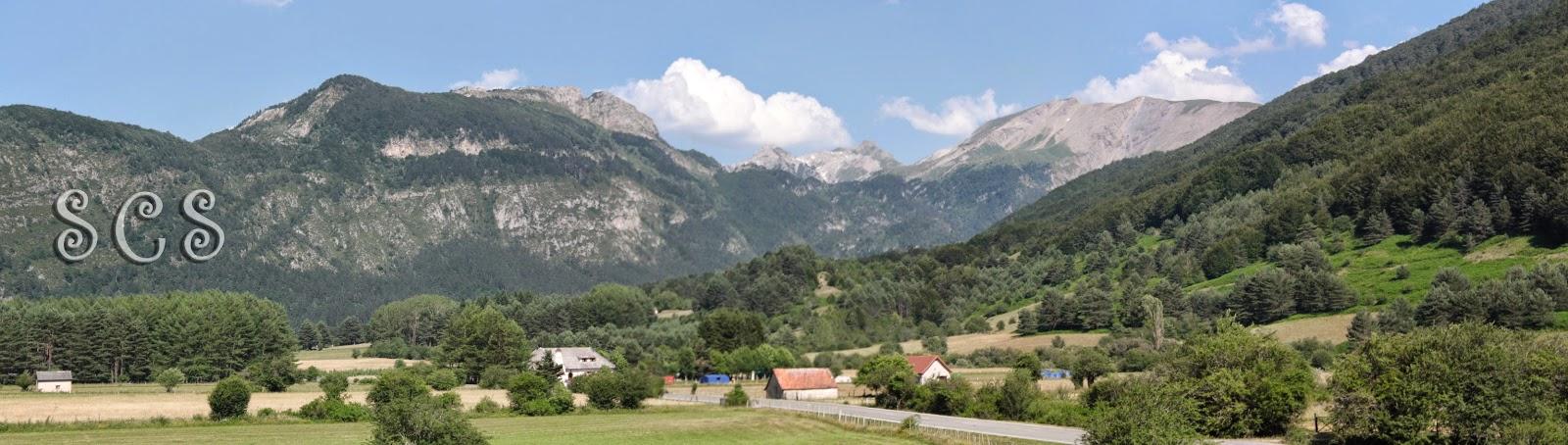 Panorámica del valle desde el Dolmen Arrako (Navarra, España)