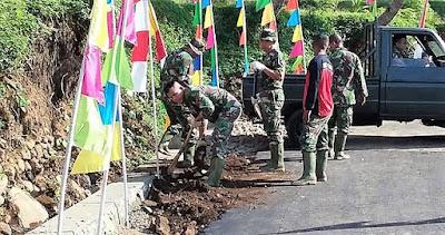 Satgas Lembur Finishing Jalan TMMD