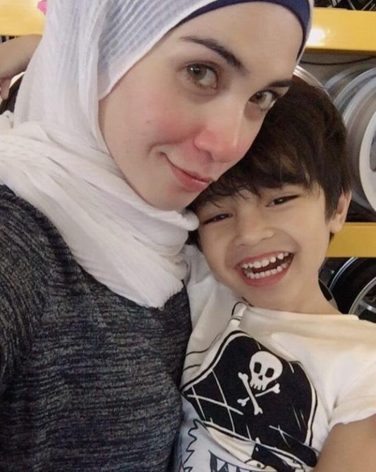 Izreen Azminda Tak Tolak Jodoh Suami Orang