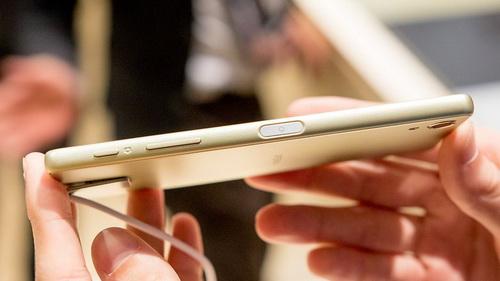 Harga Handphone Terbaru Sony Xperia X Indonesia