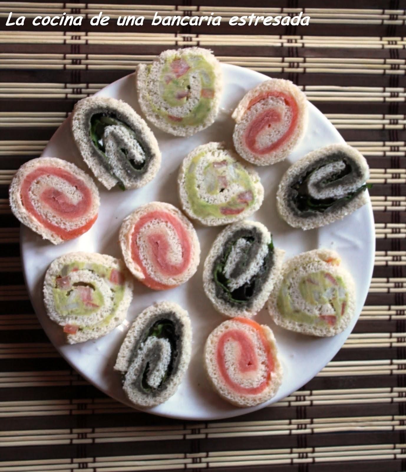 Enrollados de salmon, guacamole y tapenade.