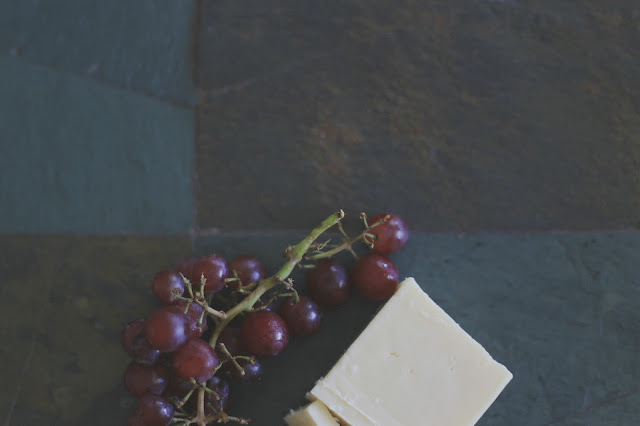 fruit_white_cheddar_cheese