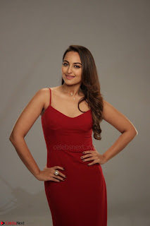 Sonakshi Sinha stunning Red Gown at Nach Baliye Season 8 interview 016.JPG