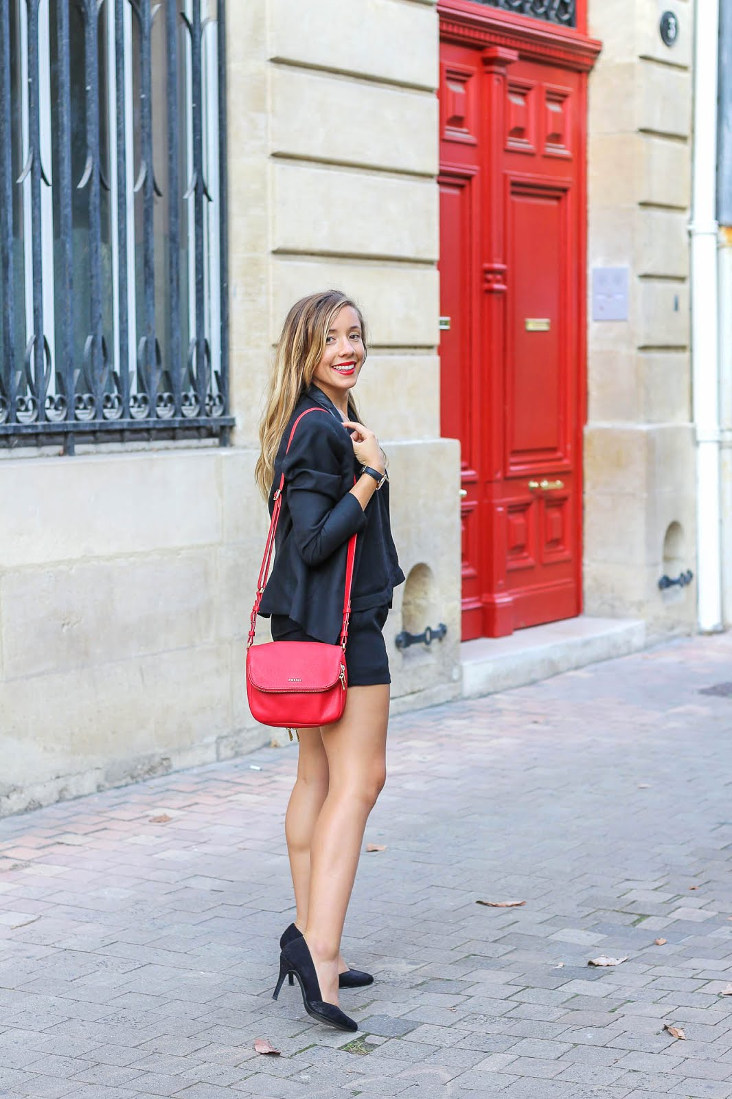 tenue rouge noir