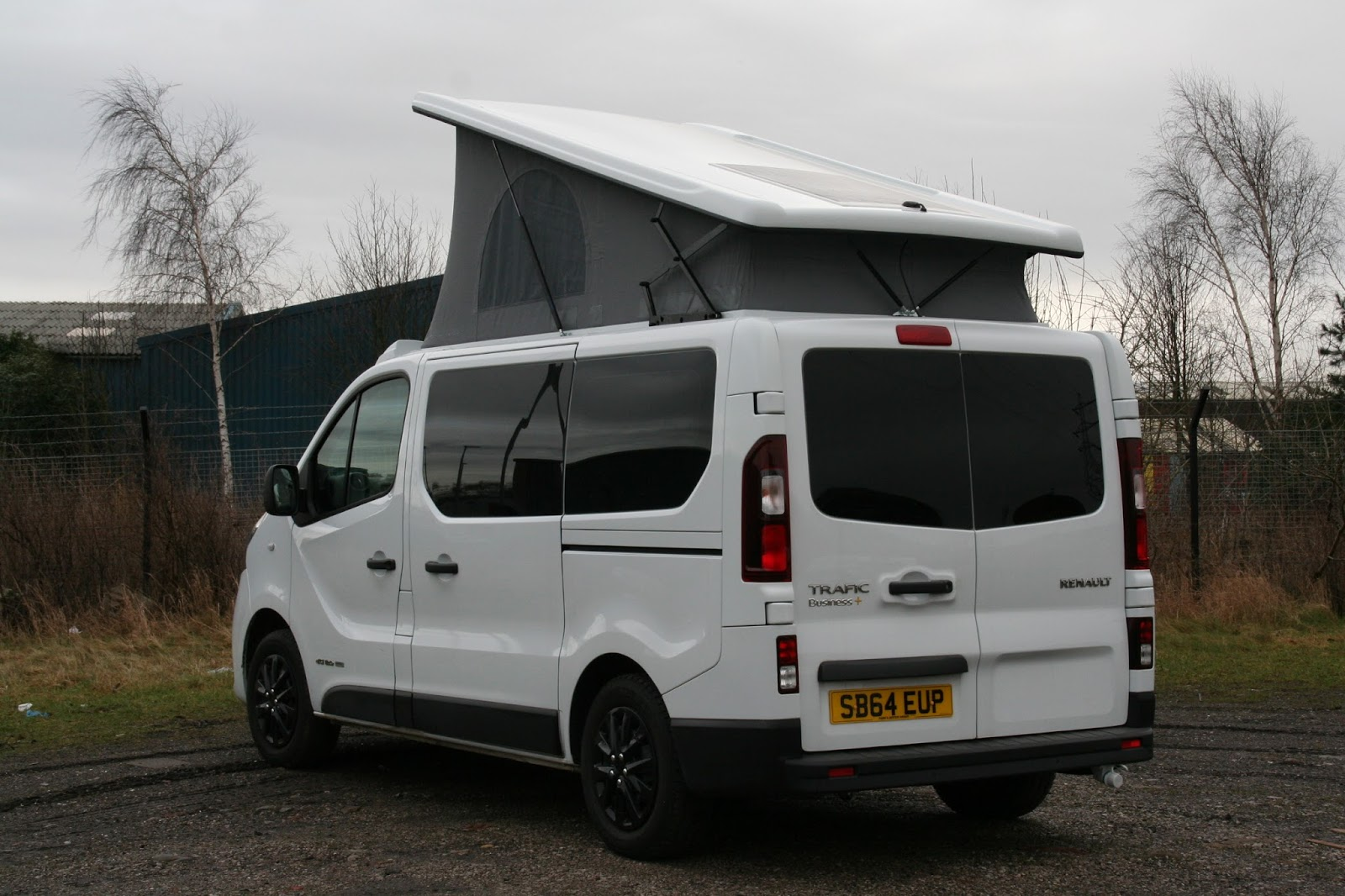 van bodies lancs ltd completed renault trafic camper van. Black Bedroom Furniture Sets. Home Design Ideas