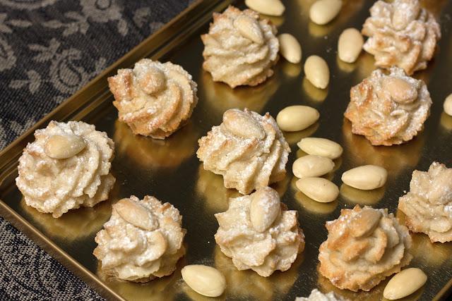 Sitni kolači od badema