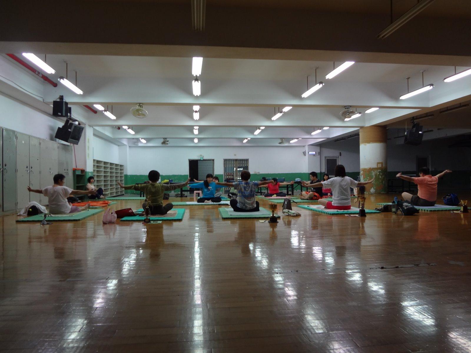 勇者瑜伽Namaskar納瑪賜嘉: 2011.11.18永和社大勇者瑜伽班