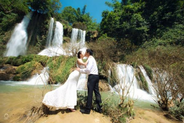 chụp ảnh cưới tại thác nà đăng bắc kạn